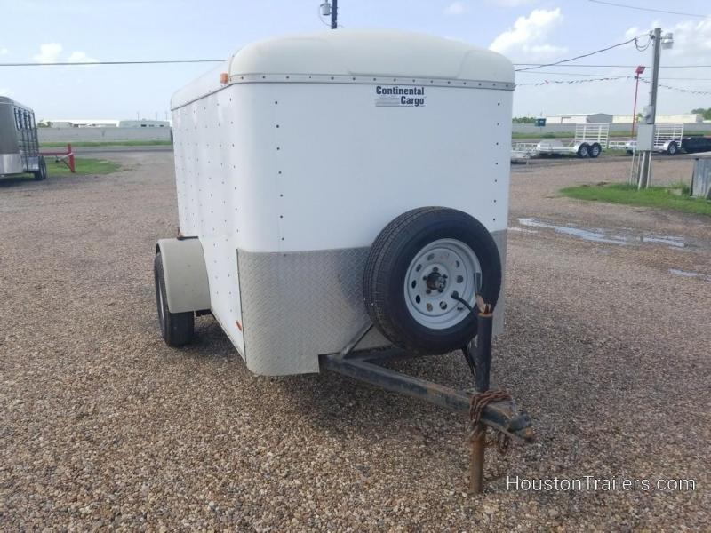 New Trailers | Houston Trailers | Stock trailers, flatbed, utility ...