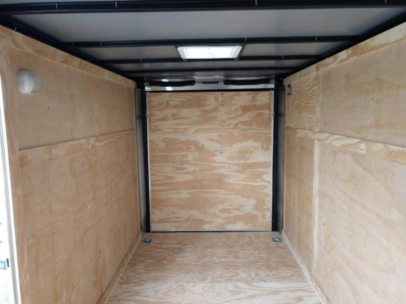 COVERED WAGON 2019 WHITE 6' x 12' SINGLE AXLE V-NOSE ENCLOSED TRAILER