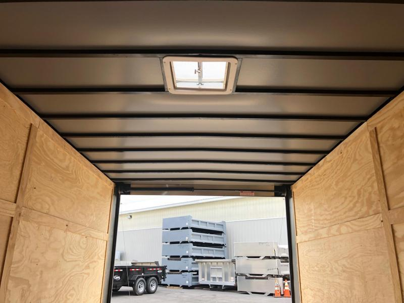 DIAMOND CARGO 2018 8.5' x 18' TANDEM AXLE SEMI-SCREWLESS BLACK ENCLOSED CARGO TRAILER