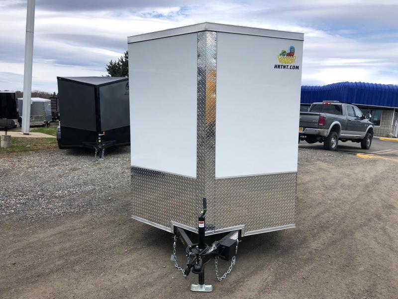 COVERED WAGON 2019 WHITE 6' x 10' SINGLE AXLE V-NOSE SEMI SCREWLESS ENCLOSED CARGO TRAILER