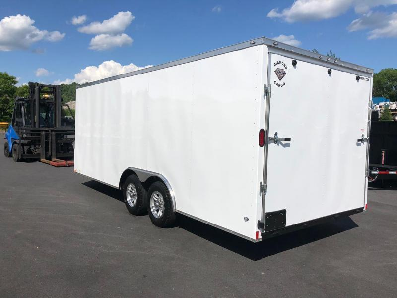DIAMOND CARGO 2020 8.5' x 20' WHITE SEMI-SCREWLESS EXTENDED TONGUE V-NOSE TRAILER