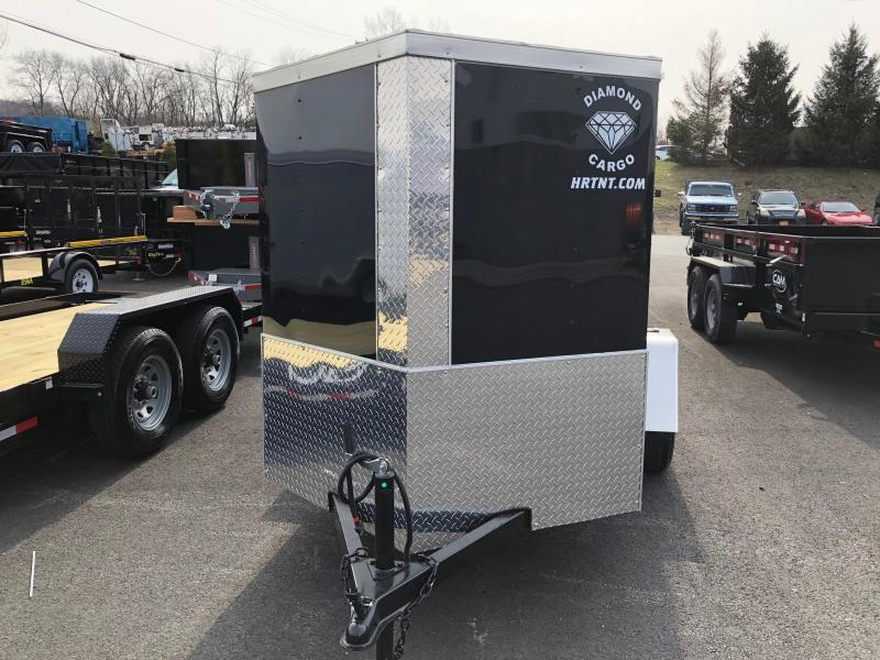 DIAMOND CARGO 2018 5' x 8' SINGLE AXLE BLACK ENCLOSED TRAILER