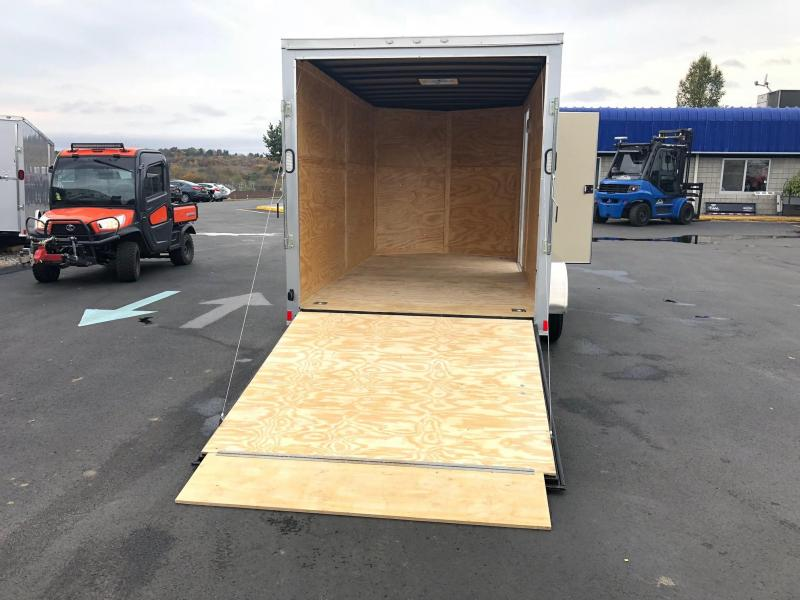 ROCK SOLID 2019 7' x 14 TANDEM AXLE SILVER SEMI-SCREWLESS V-NOSE ENCLOSED TRAILER WITH EXTRA HEIGHT