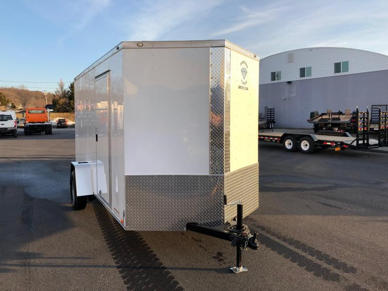 DIAMOND CARGO 2019 6' x 12' SINGLE AXLE WHITE ENCLOSED TRAILER