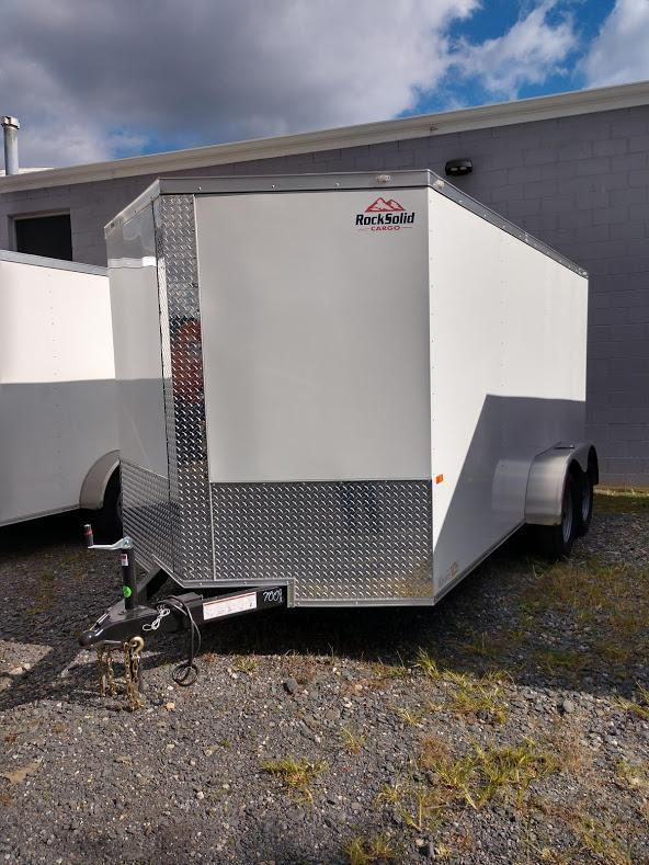 ROCK SOLID 2019 7' x 14 WHITE TANDEM AXLE SEMI-SCREWLESS V-NOSE ENCLOSED TRAILER