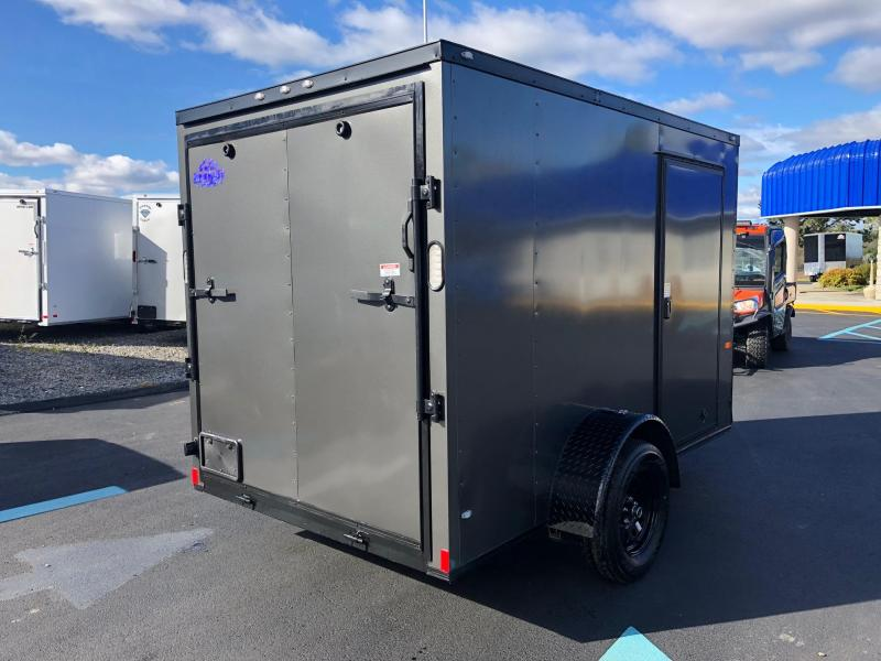 ROCK SOLID 2019 6' x 10' TANDEM AXLE CHARCOAL GREY SEMI-SCREWLESS WITH BLKOUT PACKAGE V-NOSE ENCLOSED TRAILER