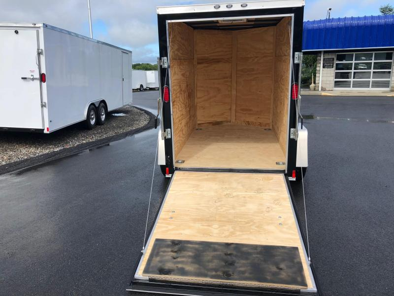 "DIAMOND CARGO 2019 5' x 8'  w/ 12"" ADDITIONAL HEIGHT SINGLE AXLE BLACK ENCLOSED TRAILER"