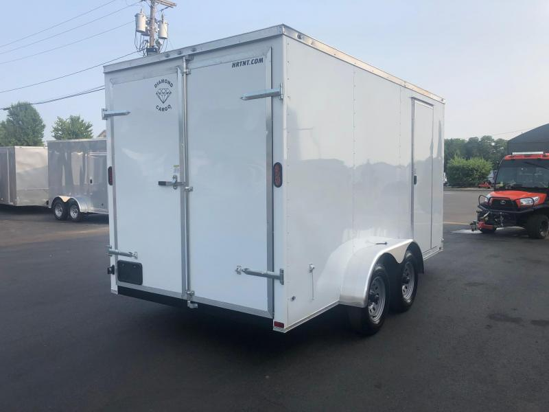 DIAMOND CARGO 2019 7 x 14 TANDEM AXLE SEMI SCREWLESS WHITE WITH ADDITIONAL HEIGHT V-NOSE ENCLOSED TRAILER