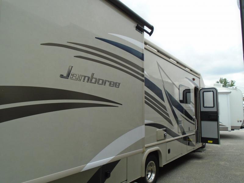 2017 Fleetwood JAMBOREE 31U Class C RV  GAS