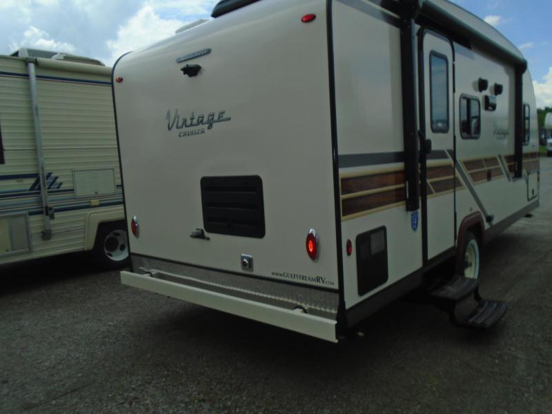 2020 Gulf Stream 19CSK Travel Trailer