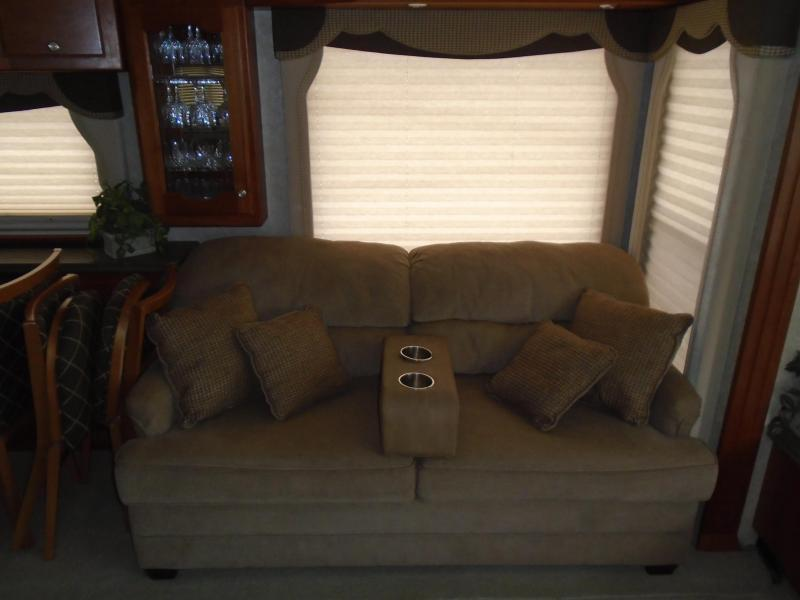 2004 Country Coach Intrigue Sweet Serenade 40