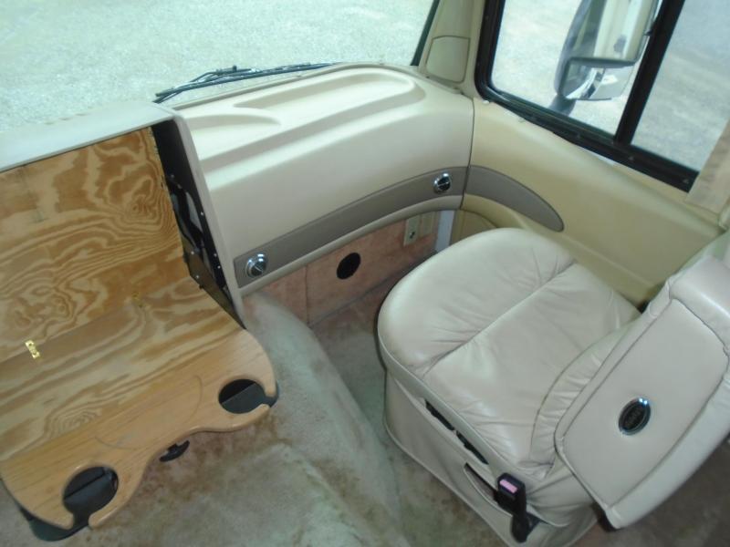 1997 Fleetwood RV Pace Arrow Vision 34C  GAS