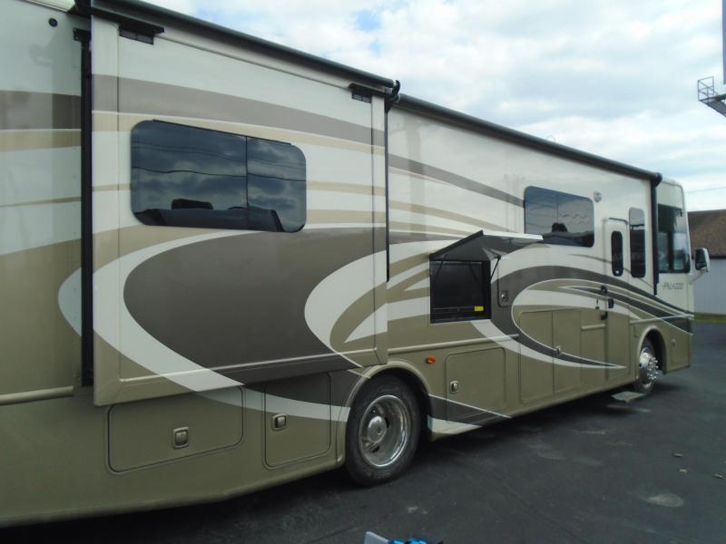 2014 Thor PALAZZO 332 Class A RV- DIESEL