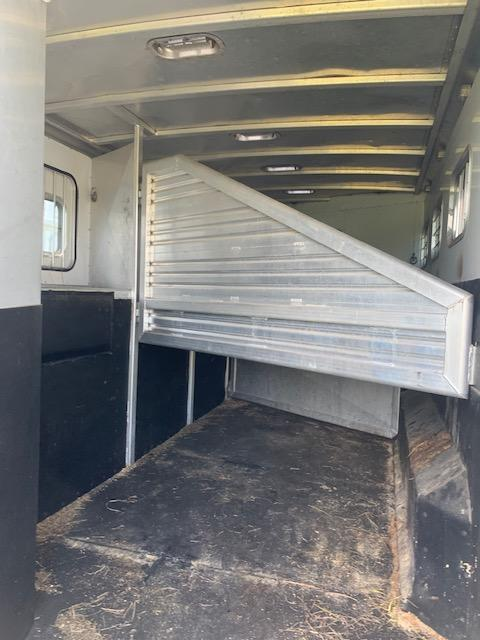 2001 Exiss Trailers 8412 Horse Trailer
