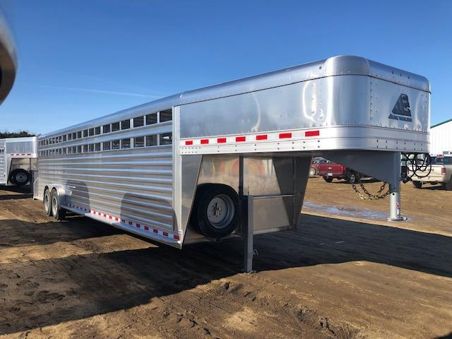 2020 Elite 30' Livestock Trailer