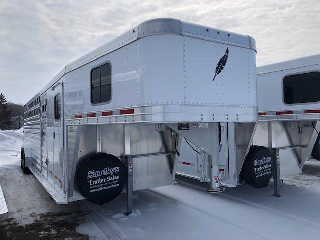 2019 Featherlite 8413 28' Livestock Trailer