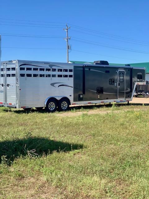 2020 Merhow Trailers 8013 Horse Trailer