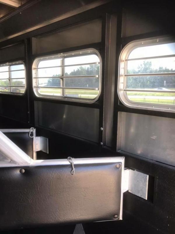 2011 Logan Coach 8310 Horse Trailer