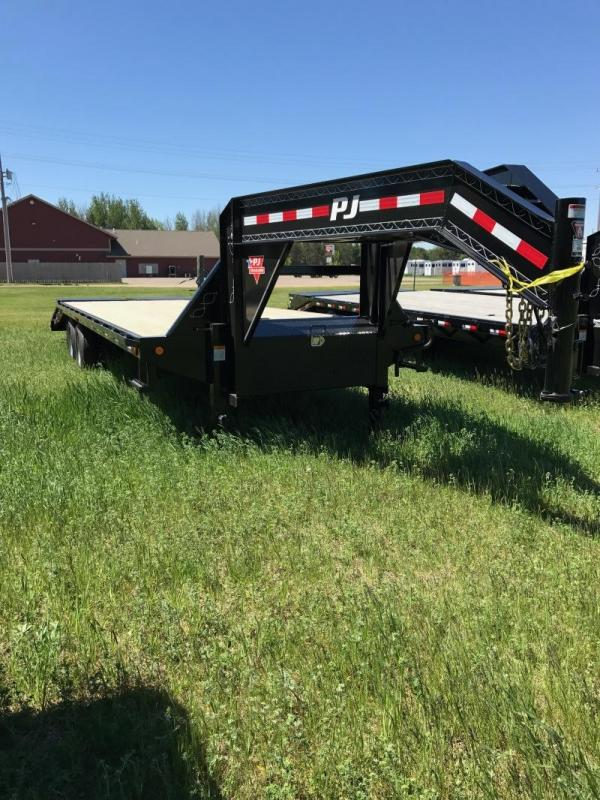2017 PJ Trailers 27' GN w/Monster Ramps