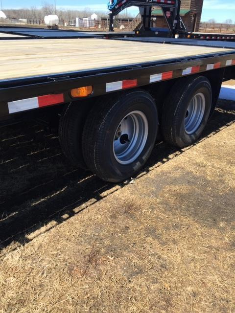 2019 PJ Trailers FDR27A2BSWK0 Flatbed Trailer