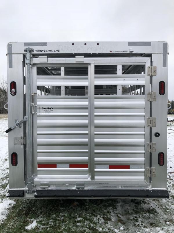 2018 Featherlite 8127-7024 Livestock Trailer