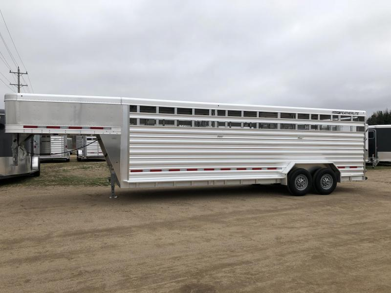 2018 Featherlite 8127-7024 Livestock Traile