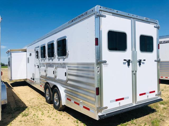 2019 Featherlite 9821 Liberty LQ Horse Trailer
