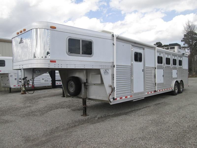 2001 Elite Trailers 4 HORSE - GENERATOR - GREAT BUY Horse Trailer