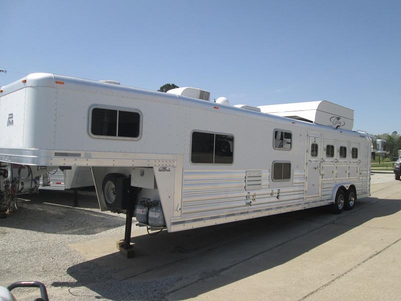 2008 Platinum Coach 4H LQ - BUNK BEDS - Horse Trailer
