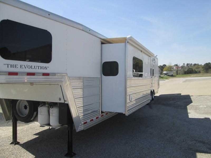 2015 Bloomer Trailer Manufacturing HERE IS A DEAL LIKE BRAND NEW 4H Horse Trailer