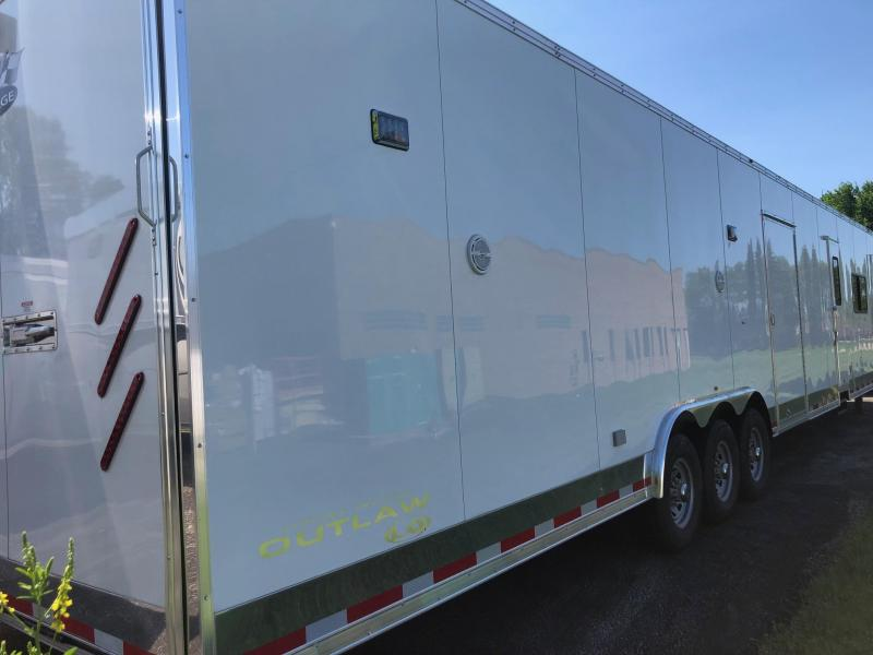 2019 Vintage Outlaw 48' with  LQ Racing Trailer