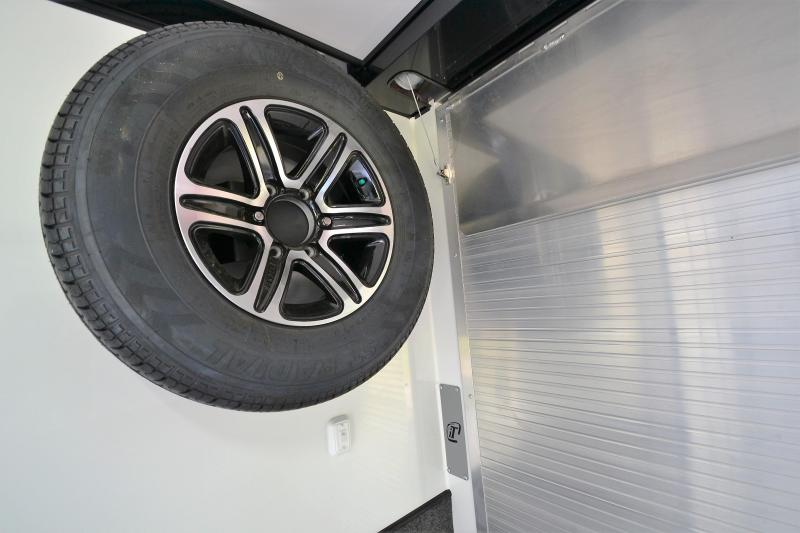 2018 inTech Trailers 24 Intech Icon w/ Full Access escape door - Black anodized pkg   Car / Racing Trailer