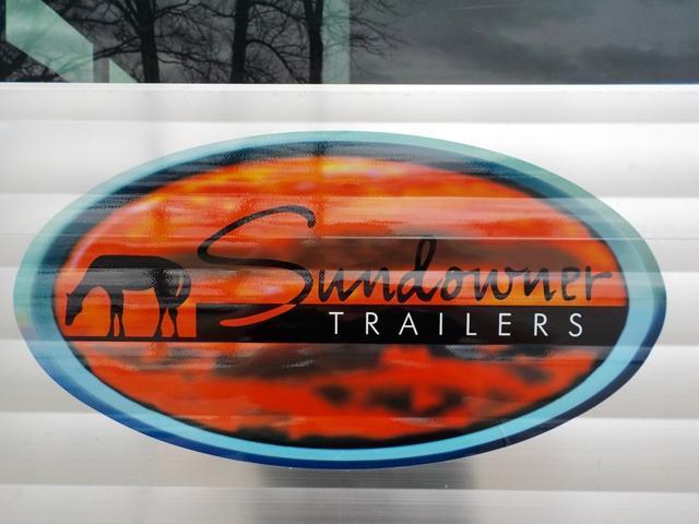 2018 Sundowner Trailers Sunlite Rancher 16 GN Livestock Trailer