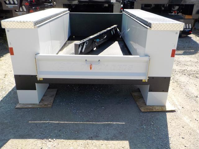 2020 CM 9878 VV FF Truck Bed Service Body