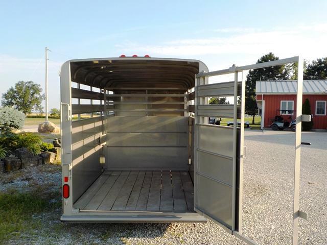 2020 Delta Manufacturing 500 ES ECONOMY Livestock Trailer