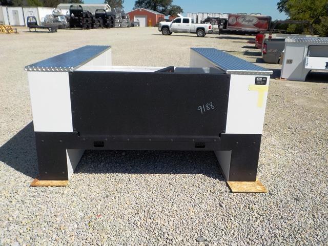 2020 CM 9878 VV SS Truck Bed Service Body