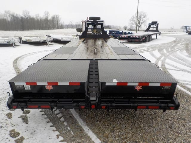 2019 PJ Trailers LDR32D2BSW00T GOOSENECK 27 5 LO-PRO FLATBED Equipment Trailer