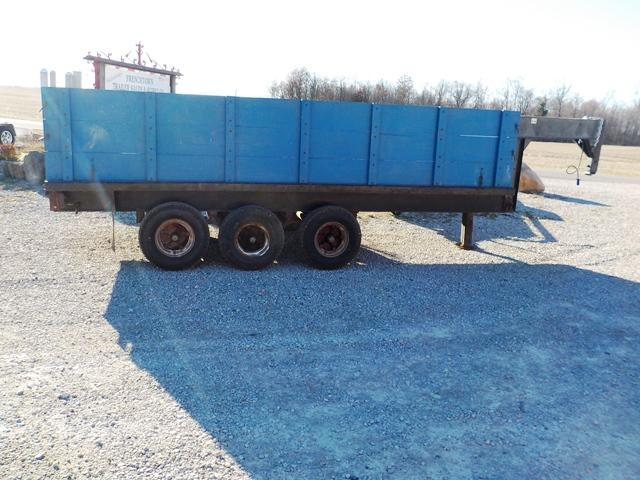 2005 Hoelscher Brothers 90 16 Flatbed Trailer - USED