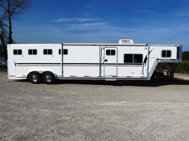 1999 Exiss Trailers GN 730 4 - HORSE SLANT Livestock Trailer ** USED **