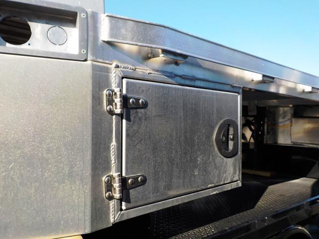 """CM AL RD W/ 2 Front Tool Boxes Truck Bed 8'6"""" x 97"""" x 56"""" x 38"""""""