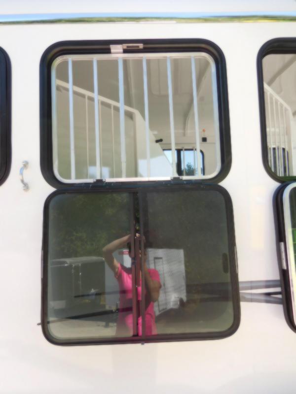 2019 Thuro-Bilt 3H Renegade Slant Horse Trailer