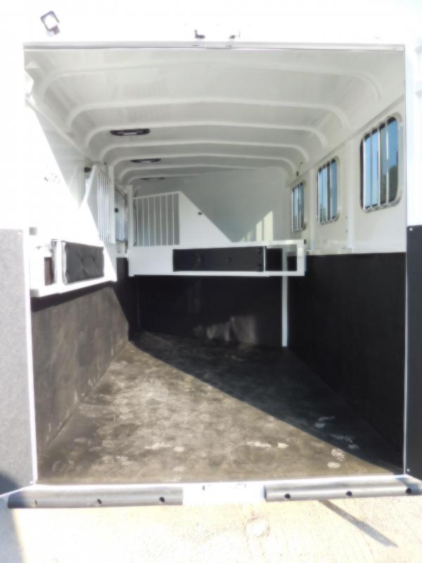 2019 Thuro-Bilt 3H Liberty Slant-Load Horse Trailer