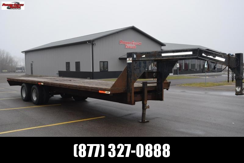 USED 1999 CARRY-ON 28' FLATBED GOOSENECK EQUIPMENT TRAILER