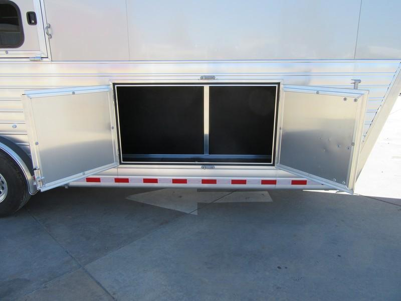 New 2017 Hart Trailers Tradition 3HGN Smart Storage Horse Trailer Vin51071