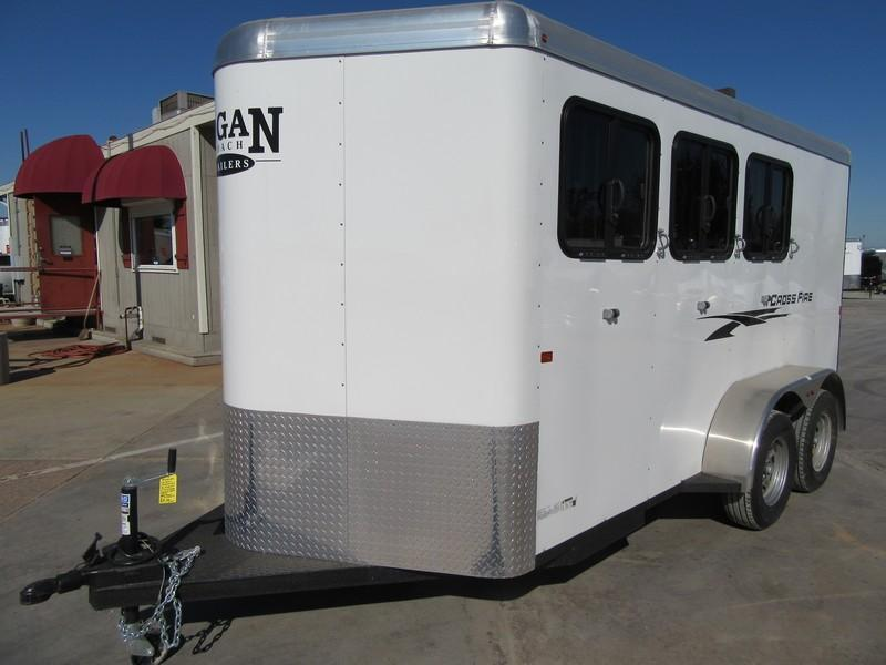 New 2018 Logan Coach Crossfire 3H Horse Trailer