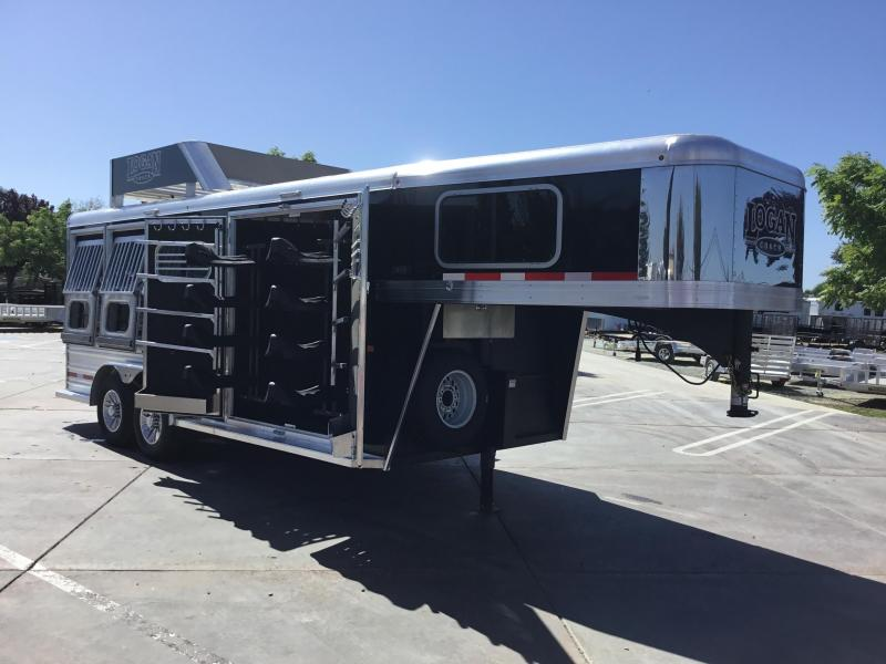 New 2019 Logan Coach Riot 3H GN Trainers Tack Horse Trailer