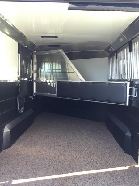 NEW 2019 Logan Coach 3 horse XTR BP Horse Trailer