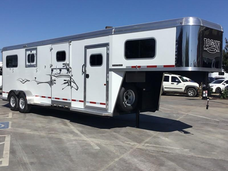 2019 Logan Coach 2 plus 1 Warmblood XT GN Horse Trailer in Ashburn, VA