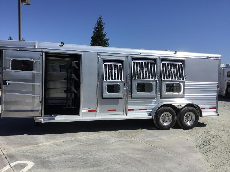 New 2019 Logan Coach Riot 3H GN Horse Trailer w/dual mandoors