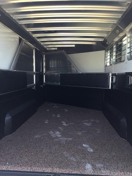NEW 2019 Logan Coach 3H Razor GN Side Tack Horse Trailer